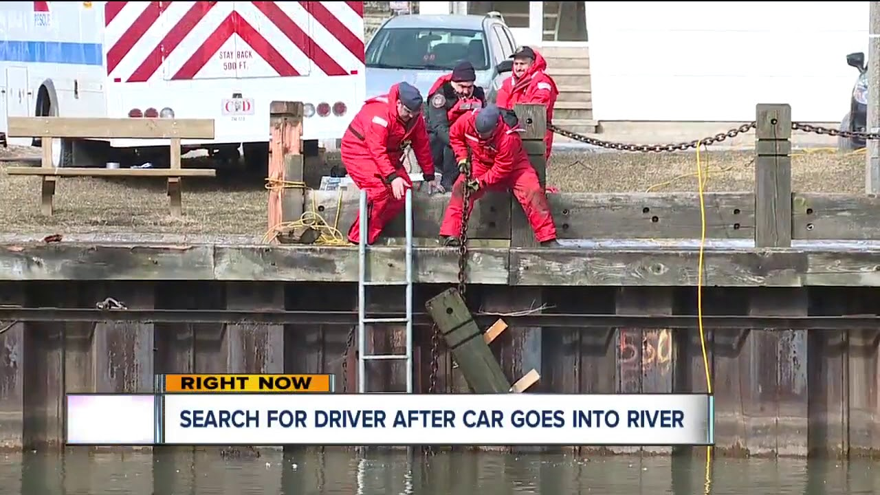 Crews still searching for missing driver in Cuyahoga River
